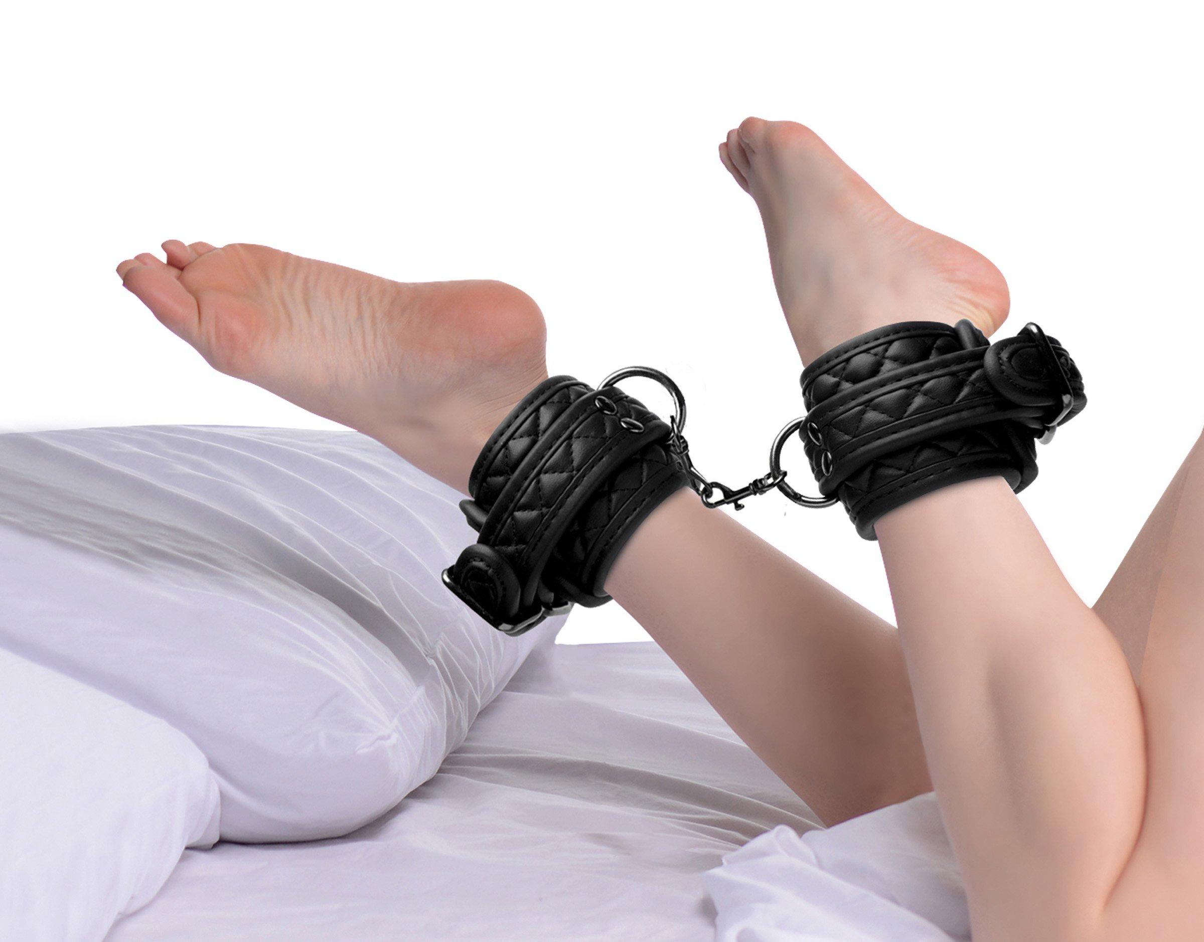 Concede Wrist and Ankle Restraint Set With Bonus Hog-Tie Adaptor